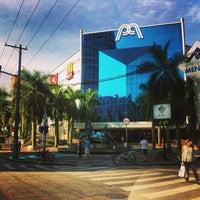 Foto tirada no(a) Praiamar Shopping Center por Raphael 🎮 em 5/14/2013