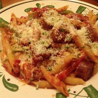Photo taken at Olive Garden by Julian G. on 1/20/2013