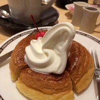 Photo taken at Komeda's Coffee by Nov S. on 3/26/2014