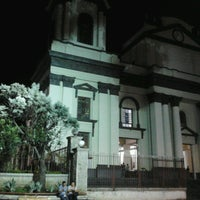 Photo taken at Parque Central de Alajuela by Andres Q. on 5/19/2013