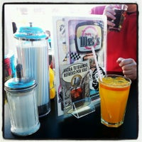 Photo taken at Tommy Mel's by Polloconajo on 3/10/2013