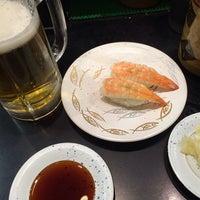 Photo taken at 廻る元祖寿司 下北沢駅前店 by 武蔵小杉最強伝説 on 12/31/2013