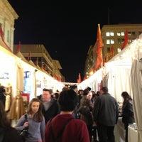 Foto tomada en Downtown Holiday Market por Oshi Y. el 12/5/2012