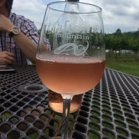 Photo taken at Afton Mountain Vineyards by Tom M. on 5/20/2017