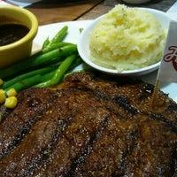 Foto tirada no(a) Holycow! Steakhouse por Leo A. em 10/29/2016