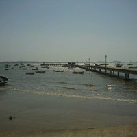 Foto tirada no(a) Praia de Manguinhos por Everton Zanini M. em 9/19/2012