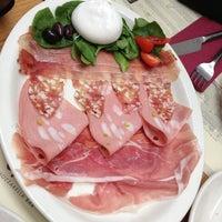 Photo taken at Obicà Mozzarella Bar Pizza e Cucina by Glenn D. on 10/8/2012