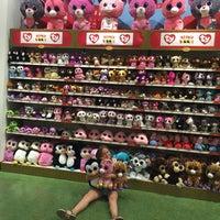 7/21/2016にAnna B.がHamley'sで撮った写真
