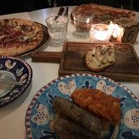 Foto scattata a Canada Water Café da Anargyros A. il 11/5/2017