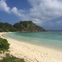 Photo taken at North Beach Mana Island Fiji by Judith on 12/3/2016