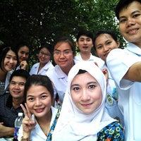Photo taken at อาคารคณะเภสัชศาสตร์ มหาวิทยาลัยศิลปากร by chestsadapong f. on 7/25/2014