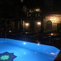 รูปภาพถ่ายที่ Alp Paşa Boutique Hotel โดย Murat GÜNER🎈 เมื่อ 6/9/2017