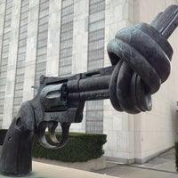 Das Foto wurde bei Vereinte Nationen von Michael S. am 11/29/2012 aufgenommen