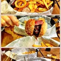 3/16/2013 tarihinde Mehmet Kıvanç Ç.ziyaretçi tarafından Burger House'de çekilen fotoğraf