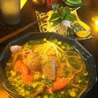 Foto scattata a Green Leaf Vietnamese Restaurant da Eddy M. il 7/5/2013