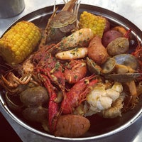 Photo taken at Crab Bucket by Leo C. on 5/24/2015