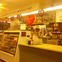Photo taken at Winchell's Doughnut House by James J. on 1/30/2013