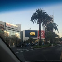 Photo taken at Best Buy by Ferny D. on 9/4/2013