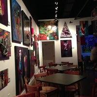 Das Foto wurde bei Khon's von Ed T. am 12/8/2012 aufgenommen