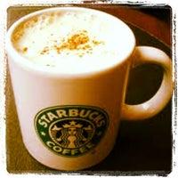 2/16/2013 tarihinde GoKCeEziyaretçi tarafından Starbucks'de çekilen fotoğraf