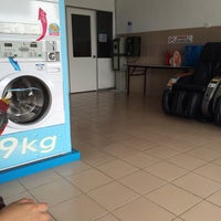 Photo taken at Dobi Papa 24 Hours Self-Laundry by Amira A. on 1/4/2014