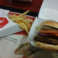 Photo taken at Jack in the Box by Janssen C. on 10/18/2014