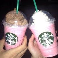 Снимок сделан в Starbucks пользователем Niluh A. 5/16/2013