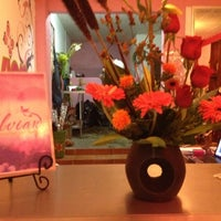 Photo taken at Gelvian Detalles con sabor by Inti A. on 4/1/2012