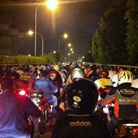 Photo taken at Woodlands Checkpoint (Causeway) by Thiru'z T. on 10/11/2012