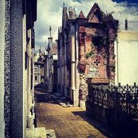 Foto tirada no(a) Cemitério da Recoleta por Jose F. em 10/1/2012