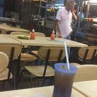 Photo taken at Restoran Selera Ampang by Kbakshir on 11/12/2013