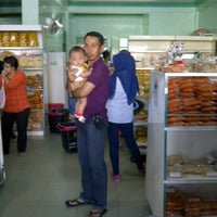 Photo taken at Keripik Balado Christine Hakim by A Halim D. on 3/31/2014
