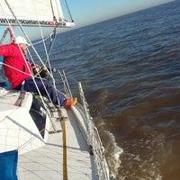 Foto tirada no(a) Río de la Plata por Escuela Nautica D. em 6/17/2016