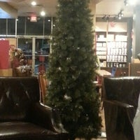 Photo taken at Starbucks by Gresh M. on 12/20/2012