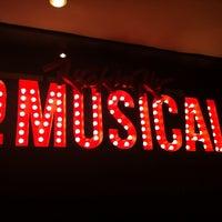 Foto tirada no(a) Teatro Alfa por Caroline B. em 7/25/2013