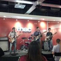 Foto tirada no(a) Fnac por Ricardo B. em 10/22/2012