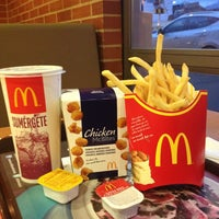 Photo taken at McDonald's by Piter A. on 7/4/2013