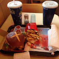 Photo taken at Wendy's by Sam B. on 7/10/2013