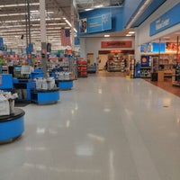 Photo taken at Walmart Supercenter by Roland H. on 8/8/2013