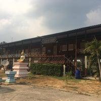 Photo taken at โรงเรียนวัดสามบัณฑิต by Saranya R. on 2/26/2017