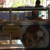 Photo taken at Restoran Khaleel by Fata P. on 1/11/2013