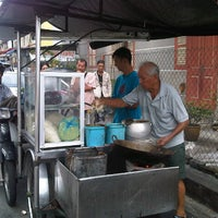Photo taken at Siam Road Charcoal Char Koay Teow by John R. on 11/28/2012