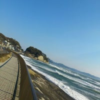 Photo taken at Inamuragasaki Beach by りゅうすけ on 12/8/2012