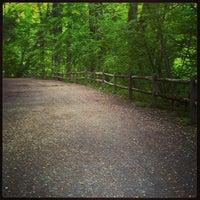Foto diambil di Forbidden Drive Trail oleh Philip M. pada 5/21/2013