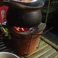 Photo taken at ร้านอาหาร ลาบเป็ดบ้านไผ่ อ่อนนุช 46 by Iszer on 8/11/2013
