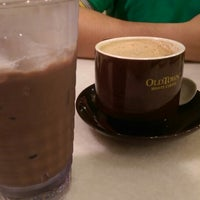 Photo taken at OldTown White Coffee by Janelle P. on 10/12/2014