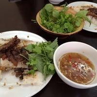 Photo taken at Bánh Cuốn Gia An by Chi Vân on 3/12/2014