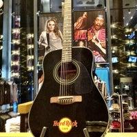 Photo taken at Hard Rock Café by Shadi M. on 10/19/2012