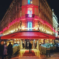 Photo taken at Le Fouquet's by Vincent H. on 11/21/2012