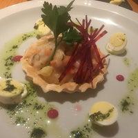 Foto tomada en Restaurante Garganta por Cameron F. el 10/24/2017